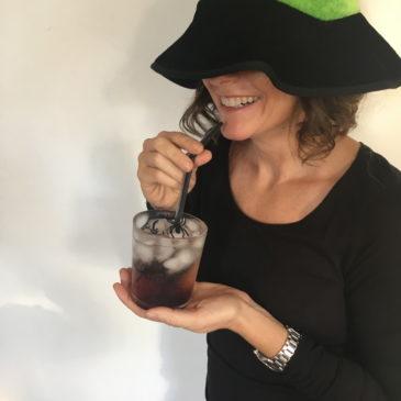 Halloween: ragni e ghiaccio per i tuoi cocktail-pozione da strega