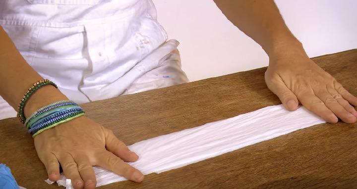 004-come-piegare-sacchetti-di-plastica-per-la-lunghezza-003