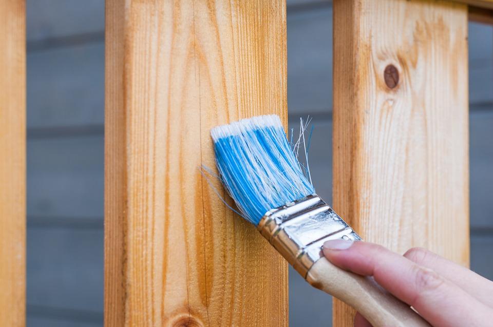 Lavorare Il Legno Grezzo : Come si vernicia il legno grezzo o dipinto come dare le pennellate