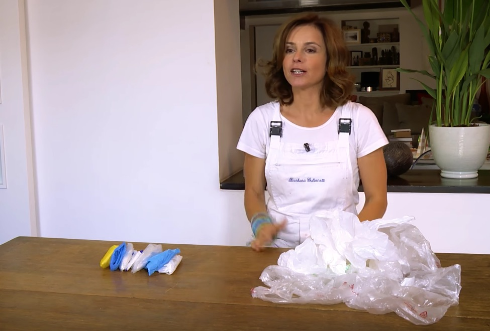 Piegare sacchetti di plastica: come si fa?
