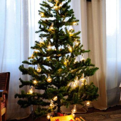 Tutti i miei pacchetti di Natale sotto l'albero, finalmente!