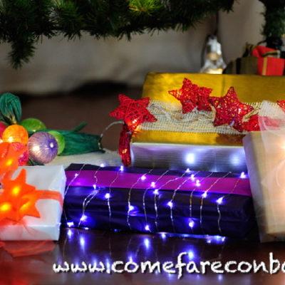"""Tutti i pacchetti di Natale luminosi che ho fatto. <a href=""""http://www.comefareconbarbara.it/5-idee-luminose-per-i-vostri-pacchetti-regalo-di-natale/"""">Qui trovi il video tutorial</a>"""