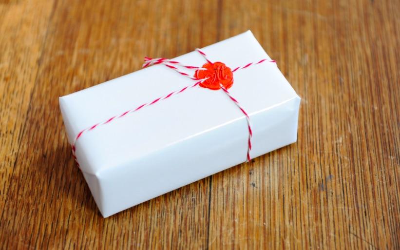 Pacchetto di Natale fai da te - Ceralacca e timbro