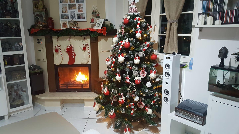 Idee Di Riciclo Per Natale albero di natale fai da te: idee, decorazioni e video tutorial